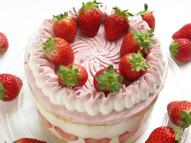 ショートケーキのイチゴだけ食べたい。ホールで