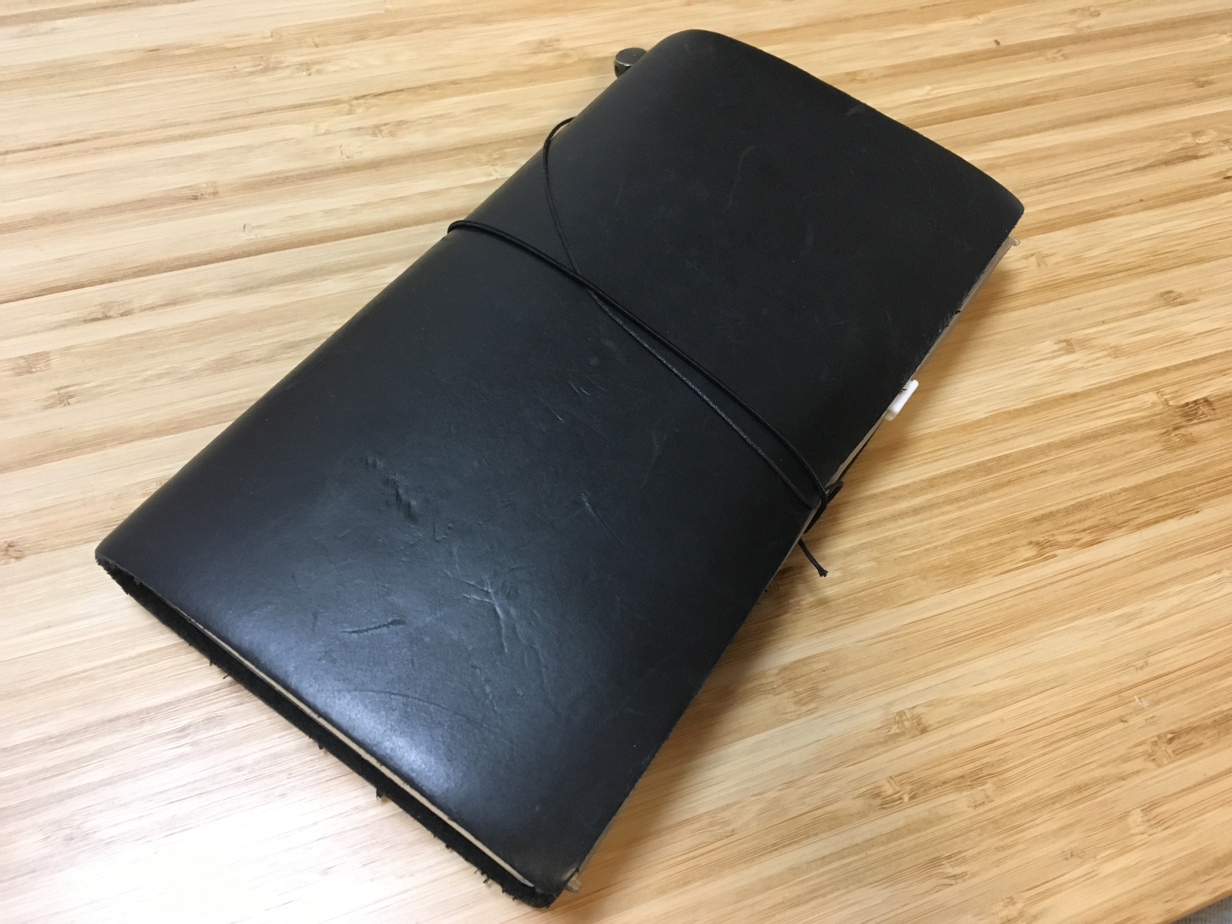 1年使った愛用のトラベラーズノート(黒)